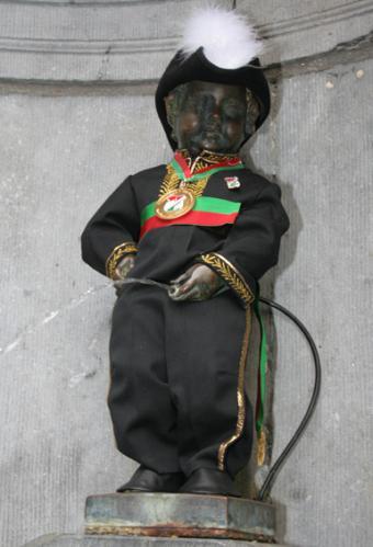 Manneken-Pis als Burgemeester van de vrije gemeente Ilot Sacré
