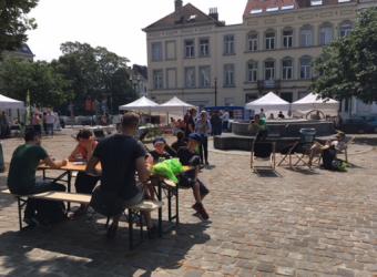 Markt op het Onze-Lieve-Vrouwvoorplein in Laken